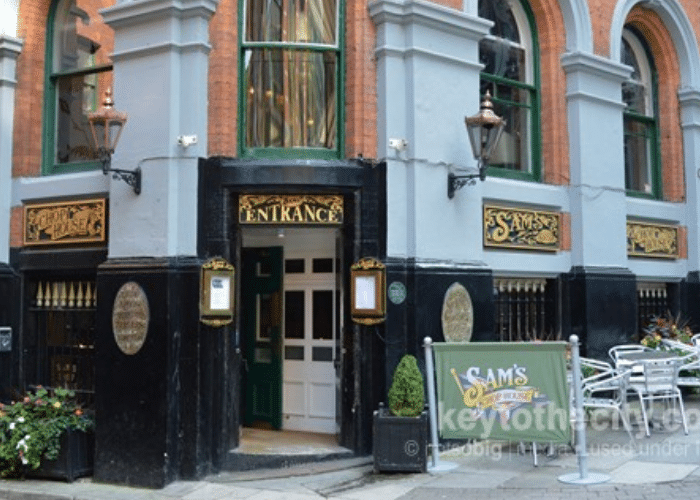 Manchester Walking Tour: Sam's Chop House
