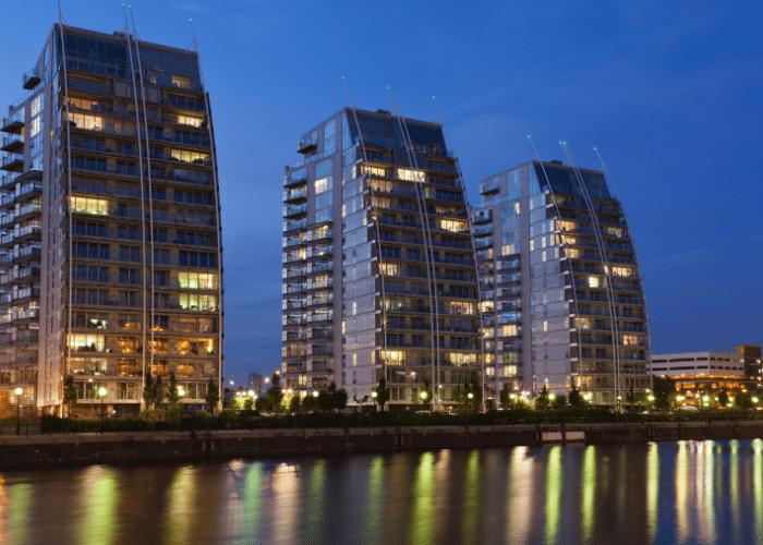 Salford Quays Walking Tour housing developments